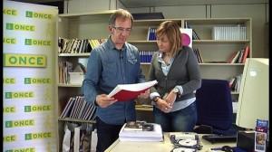 Inma Arrieta ONCEko liburutegiko kudeatzailearekin