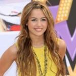 """Imajinatzen Miley Cyrus """"Batgirl""""en paperean?"""