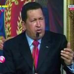 Hugo Chavez Venezian da Oliver Stonek berari buruz eginiko dokumentala aurkezteko
